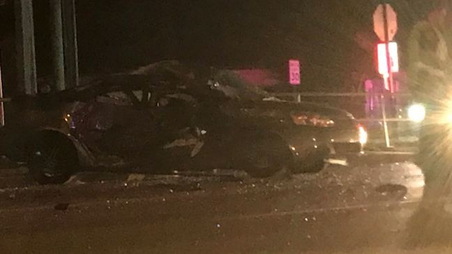 Crash shuts down westbound lanes of Southern Boulevard in